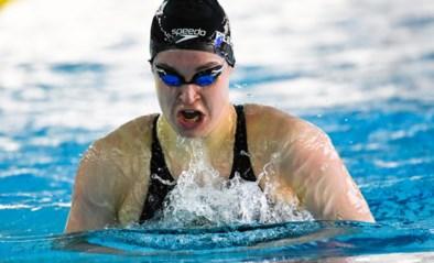 Fanny Lecluyse past door knieblessure nu ook voor estafette op EK zwemmen