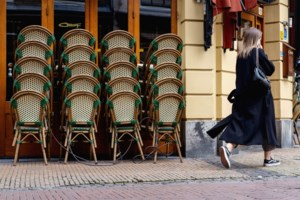 Burgemeesters grensgemeenten raden af om naar Nederlandse terrassen te trekken