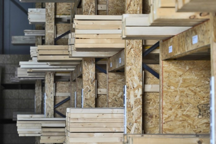 Het nieuwe wc-papier: door alle kluswoede dreigt nu ook een tekort aan hout