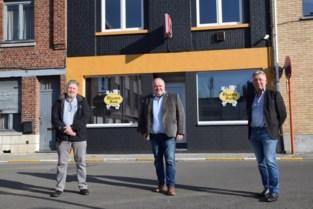 """Forza Ninove opent Vlaams Huis in 'socialistische wijk': """"Rode stoelen zijn meteen buiten gevlogen"""""""