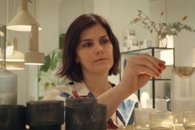 """Kelly Claessens wordt de nieuwe interieurontwerper in 'Blind gekocht': """"Een van de deelnemers heeft er wakker van gelegen"""""""