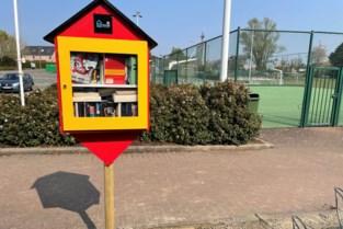 Lezers kunnen boeken uitlenen in twee nieuwe ruilbibliotheken