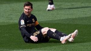"""Beginnen ze al te zweten bij FC Barcelona? """"Lionel Messi ontving een aanbod van PSG"""""""