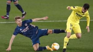 Arsenal verliest bij Villarreal (2-1) maar houdt dankzij omstreden penalty hoop op Europa League-finale levend
