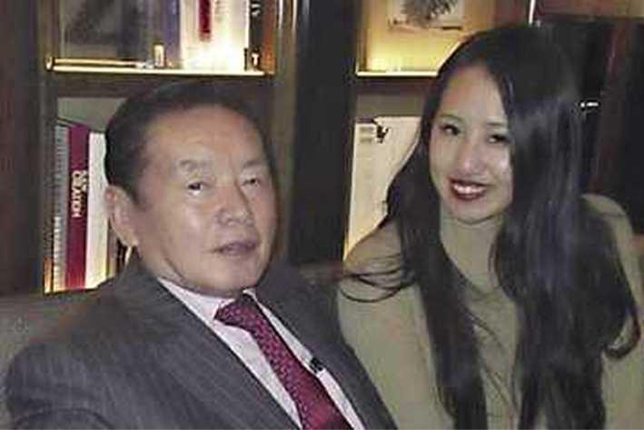 Japanse man mag doen met haar wat hij wilt