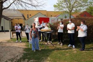 """Vrijwilligster Rode Kruis stopt na 47 jaar: """"In al die tijd maar één bloedinzameling gemist"""""""