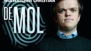 """""""Het kan toch niet dat Philip zo blijft klungelen?"""": 'Molwatcher' Christian ziet kandidaat straffe truc uitvoeren (als hij de mol is)"""