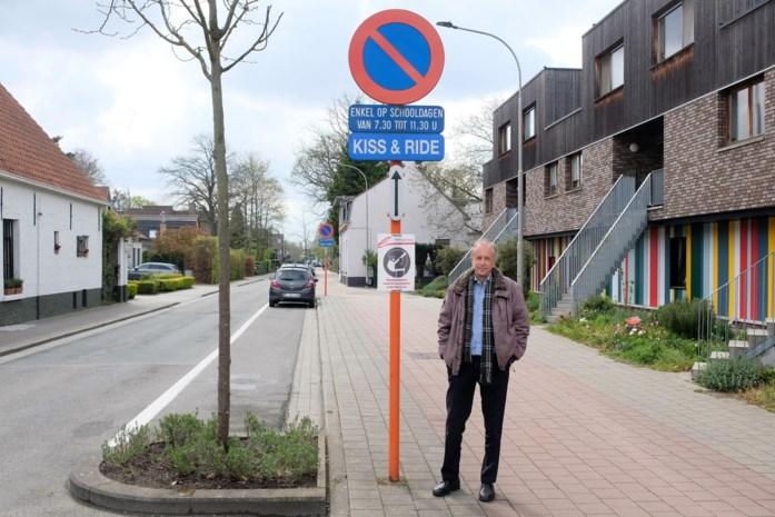 """Bewoners Molenweg protesteren tegen nieuwe buslijn: """"Gevaarlijk voor scholieren"""""""