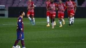 Wat een opdoffer voor Messi en co: Barcelona verliest thuis van Granada en laat leidersplaats liggen