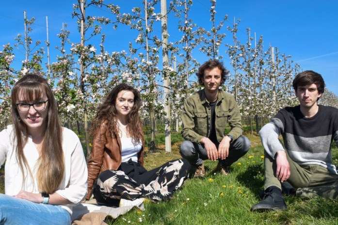 Studenten laten proeven van nieuwe fruitdrankjes
