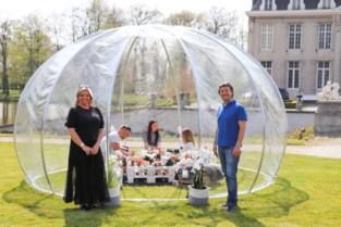 Eventplanner Ann en cateraar Bart organiseren luxepicknicks in buitenbubbel