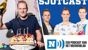 """SJOTCAST. Olivier Deschacht blikte in onze voetbalpodcast uitgebreid terug op zijn carrière: """"Ik heb wel 70 tot 80 truitjes in mijn kast hangen. En van mooie namen, hoor"""""""