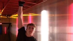 Jonge gymnast breekt ongelofelijk record aan de monkey bars in Container Cup voor beloften