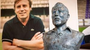 """Beerschotlegende Rik Coppens krijgt bronzen borstbeeld op het Kiel: """"Hij was de Zlatan Ibrahimovic van zijn tijd"""""""