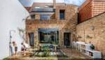 Een breed rijhuis met gezellig terras en buitenkeuken als blikvanger: binnenkijken in de woning van Ophélie Slimbrouck