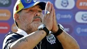 """Harde conclusies na onderzoek naar dood Argentijnse legende: """"Maradona heeft enorm geleden en werd aan lot overgelaten"""""""