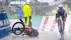 """Kobe Goossens pakt bergtrui in kletsnatte etappe in Romandië: """"Dit was het plan voor de start van deze ronde"""""""