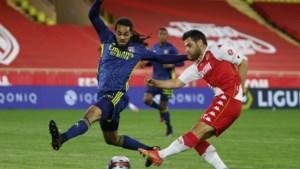 Jason Denayer valt geblesseerd uit, maar ziet zijn Lyon belangrijke zege pakken tegen Monaco