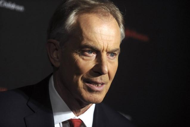 Tony Blair mikpunt van spot: komt zijn nieuwe kapsel uit Ghostbusters? Of toch eerder Indiana Jones?
