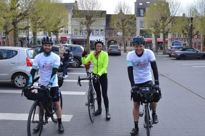 Robbert en Davy fietsen naar Rotterdam en terug voor Aurélienfonds