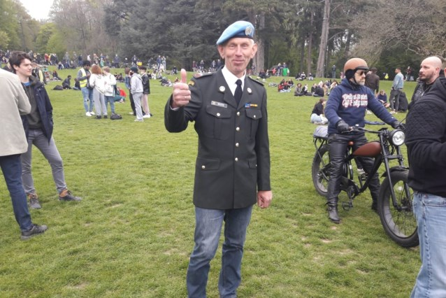 """Korporaal-chef op rust onder betogers op La Boum 2: """"Heb gezworen de rechtsstaat te beschermen"""""""