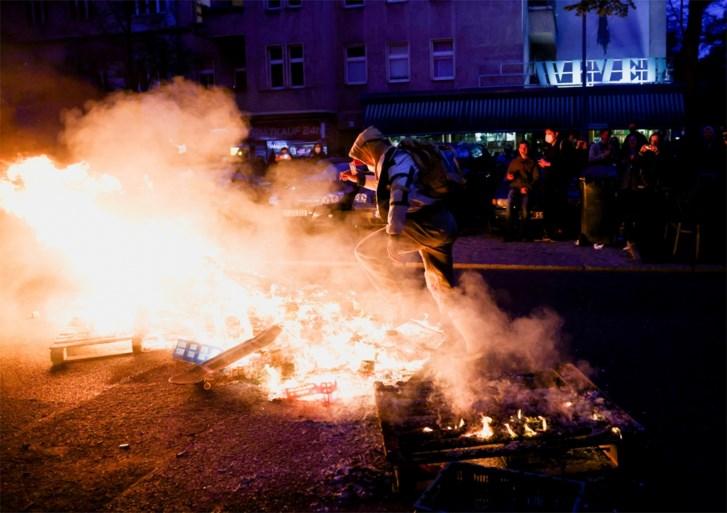 Manifestaties in Berlijn draaien uit op geweld tegen de politie: 240 arrestaties