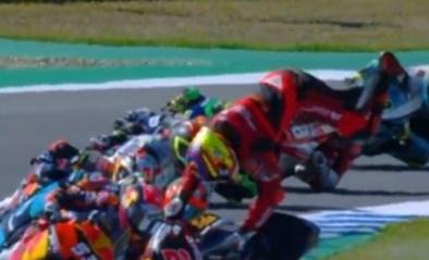 GP van Spanje ontsierd door spectaculaire crash van leider in de Moto3