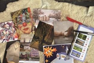Postkaarten brengen het werk samen van creatieve inwoners