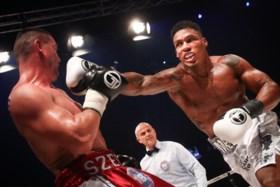 Wereldkampioen boksen Ryad Merhy wil vanavond record van Matthias Casse aanvallen in De Container Cup