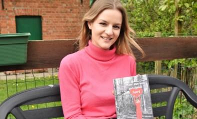 """Geneviève (19) heeft haar eerste roman uit: """"Als jong meisje droomde ik ervan ooit een boek te schrijven"""""""