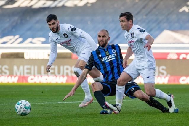 """Referee Department over gemene fout van Josh Cullen tijdens Club - Anderlecht: """"Niet alle criteria aanwezig voor VAR-interventie"""""""