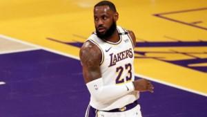 """LeBron James en zijn LA Lakers lijken in sukkelstraatje zonder einde te zitten: """"Wie heeft die zever uitgevonden?"""""""
