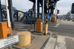Onveilige fietspaden verbreden op Vredesbrug is technisch onmogelijk