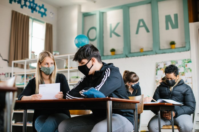 Anderstalige tieners lopen in Gent nog meer achterstand op door afstandsonderwijs
