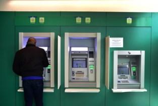 Listige Fransman steelt bankkaarten aan Limburgse bankautomaten