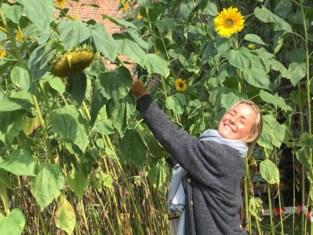"""Vriendinnen Julie Van Espen (23) houden twee jaar na haar dood de herinnering levend: """"Voor ons zonnestraaltje"""""""