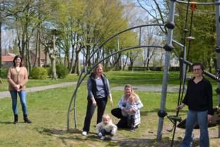 """Mama's vinden dat speelplein iets meer mag zijn: """"Aantal speeltuigen heel erg beperkt en terrein zou gerust wat gezelliger mogen"""