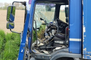 Chauffeur lichte vrachtauto stevig onder invloed bij ongeval