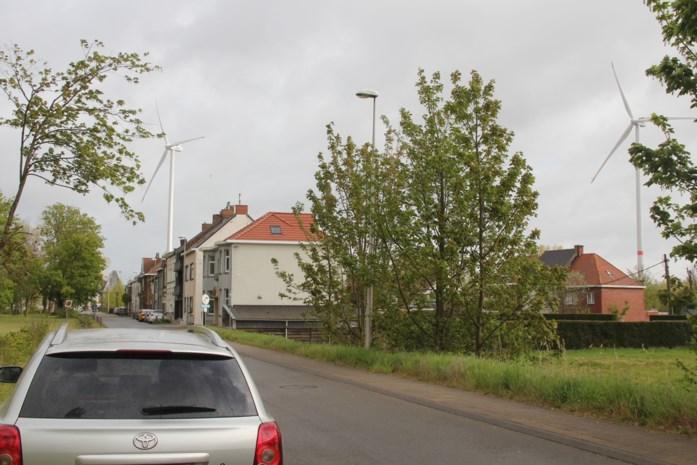 """Gemeente wil geen nieuwe aanvragen meer goedkeuren: """"Hier zijn zes keer meer windturbines dan in de rest van Vlaanderen"""""""
