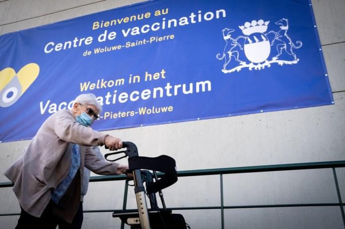 Te weinig ouderen laten zich er inenten: kunnen Wallonië en Brussel nog wel 70 procent gevaccineerden halen?