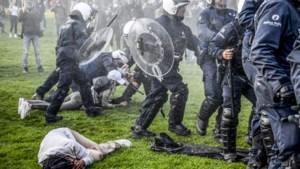 """Ex-hoofdcommissaris niet mals voor gewelddadig politie-optreden: """"Sommige agenten in de steden reageren als jongerenbendes"""""""