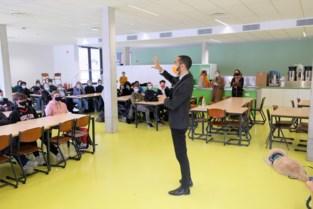 """Staatssecretaris van Asiel en Migratie debatteert met laatstejaars: """"Jongeren zijn kritischer en inhoudelijker"""""""