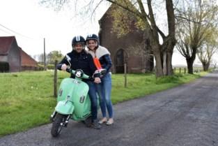 """Met de e-scooter door Tieltse velden: """"De batterijen zijn goed voor zo'n 130 kilometer"""""""