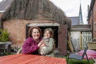 Niki (46) verloor haar job en stapte in horeca-avontuur, maar het was de stem van haar overleden dochter die de doorslag gaf