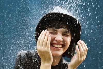 Door regen en wind ligt mijn haar in de war, hoe maak ik mijn coupe weer toonbaar?