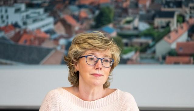 Eerst te vroege vaccinatie, dan ongelukkig interview: burgemeester werkt zichzelf nog meer in nesten