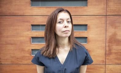 """Journalist Hind Fraihi dook onder in extreemrechtse groepen: """"Onthaalmoeders en leraars vol ranzige praat"""""""