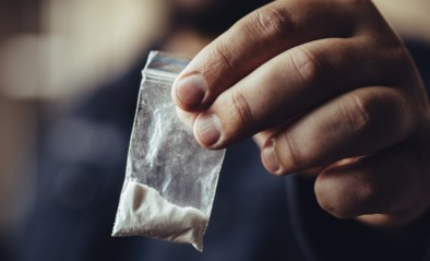 Gekochte cocaïne blijkt vermengd met suiker: Hasselaar (21) schiet op klant