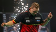 Dimitri Van Den Bergh wordt verpletterd door losgeslagen Michael van Gerwen in Premier League Darts