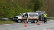 Auto tegen vangrails op E313 in Bilzen